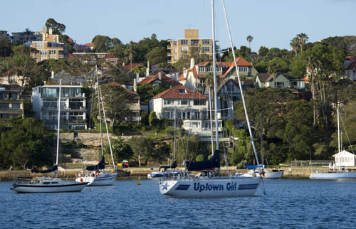 Neutral bay